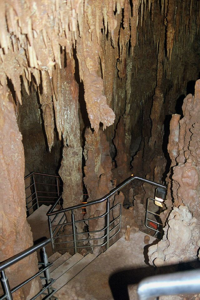 Kastania_Caves_2